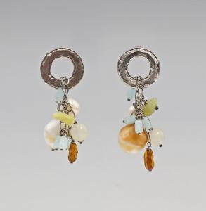 9927158 Paar silberne Ohrringe mit Schmucksteinen 925er Silber
