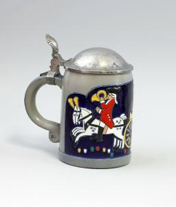 8348014  Keramik Bierkrug Zinn-Deckel Hohlwein Postillion Postkutsche