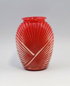 99835122 Glas Art déco Vase rot Frankreich um 1920