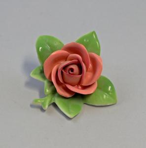 9944163 Porzellan Figur handmodell. Rose orange-rot Kämmer 4x7cm