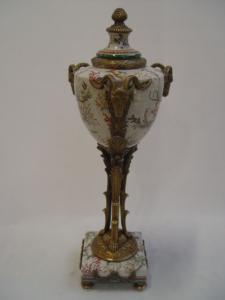 99937883-dss Messing Keramik Deckel-Amphore auf Sockel Widder prunkvoll neu