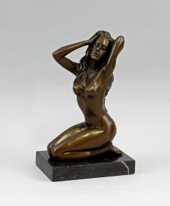9937753-dss Bronze Skulptur Figur weiblicher Akt kniend Claude H21cm
