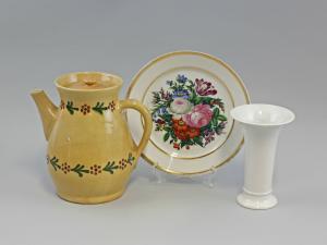99880064 Kleines Konvolut Keramik-Kanne Weißporzellan-Vase handbemalt Teller