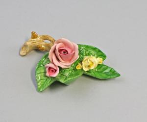 9959381 Porzellan Ens handmodell. Rose Zweig rosa gelb 10x6x4cm EINZELSTÜCK