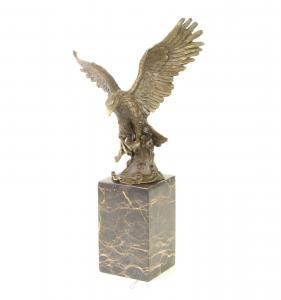 9973597-dss Bronze Figur Skulptur fliegender Adler mit Fisch Burnett 21x13x35cm