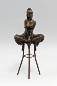 9937971ds Bronze Dame auf Barhocker Pierre Collinet H28cm
