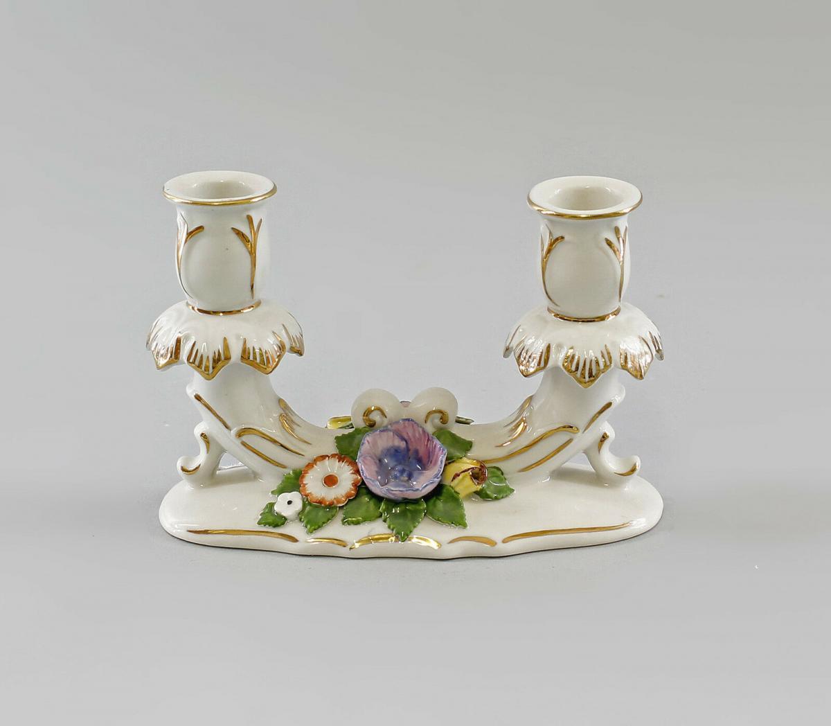 9997351 Zweiarmiger Leuchter mit Blumen Ens Porzellan 15x10cm 1