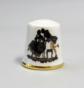 9988245 Kämmer Porzellan Fingerhut Scherenschnitt Rokoko Gold 2,4x2,6cm