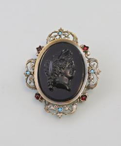 99825154 Antike Glas-Gemme mit Türkisen Granaten Brosche Damen-Porträt