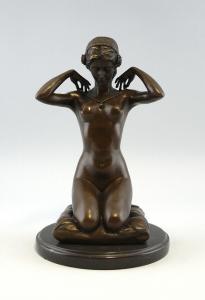 9937122-dss Bronze Skulptur Figur Weiblicher Akt auf Kissen Jugendstil 28x19cm
