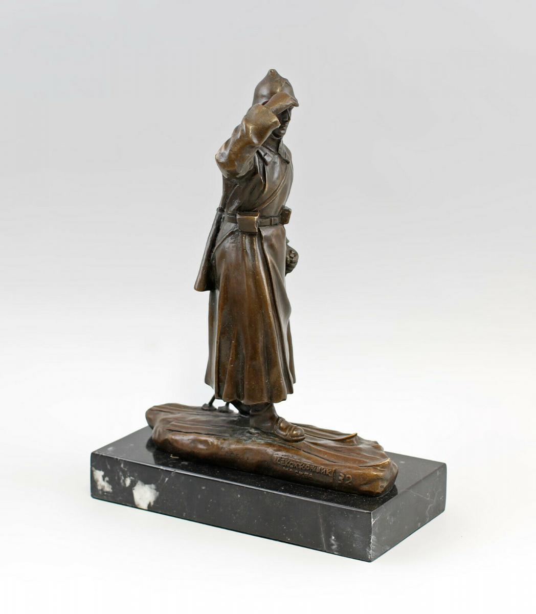9937973-dss große Bronze Skulptur Figur Soldat auf Ski Rote Armee 0