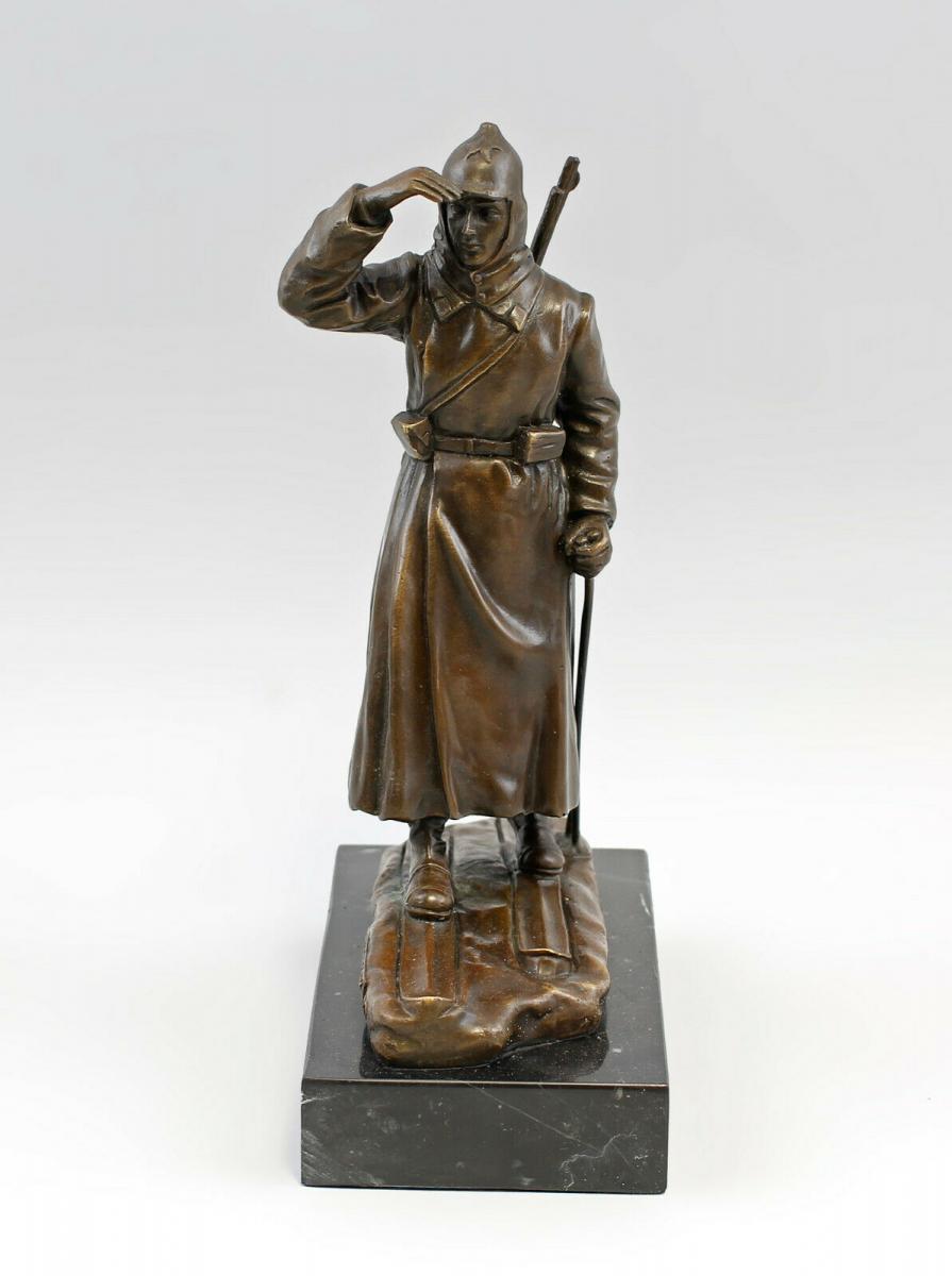 9937973-dss große Bronze Skulptur Figur Soldat auf Ski Rote Armee 1