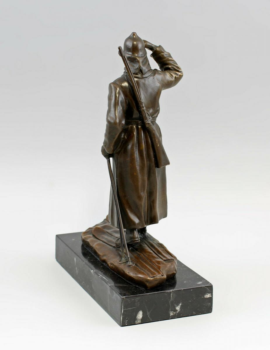 9937973-dss große Bronze Skulptur Figur Soldat auf Ski Rote Armee 3