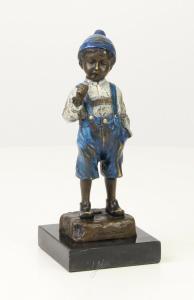9973279-dss Bronze Skulptur Knabe/Junge rauchend farbig 8 x 8 x 20 cm