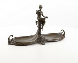 9973477-dss Bronze Skulptur Figur Dame auf Kabarettschale Jugendstil 25x44cm