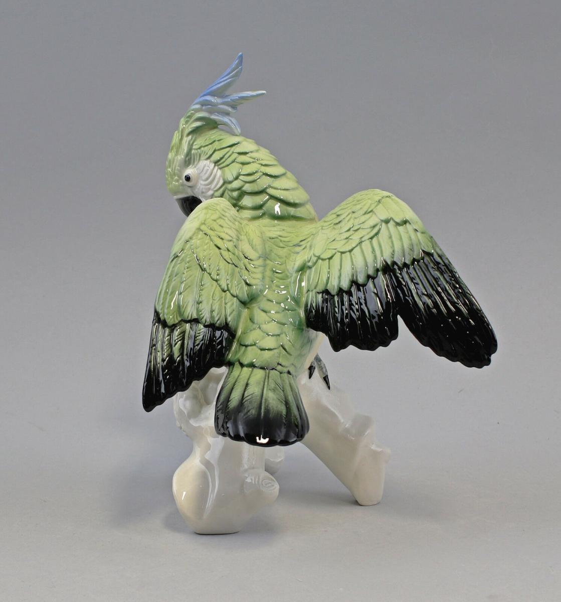 9959090 Porzellan Figur Kakadu fliegend hellgrün gelb Ens 23x20 cm 1