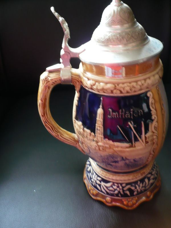 Bierkrug mit Metalldeckel (154)