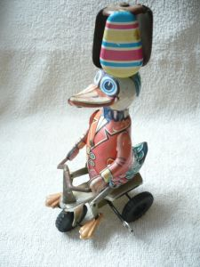 Blech Ente auf Dreirad    (169)