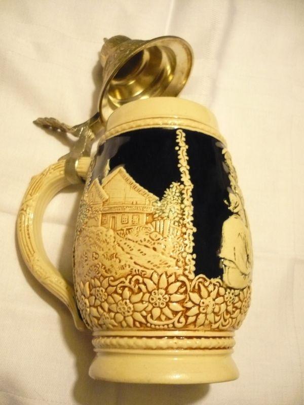 Bierkrug mit Zinndeckel Reinhold Merkelbach - Westerwald-Keramik  (221)