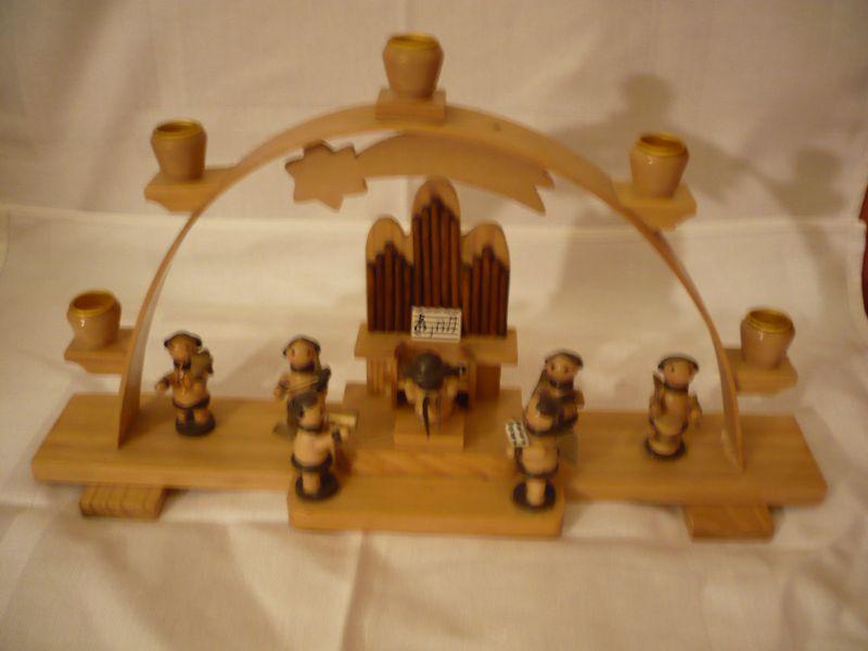 Kerzen-Lichter-Bogen mit Engel-Kapelle  (235)
