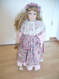 Porcellankopf-Puppe mit Zertifikat  (317)
