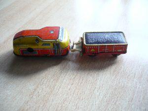 Blech Lok mit Anhänger mit Schlüsselwerk   (322)