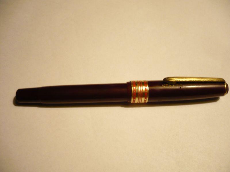 Füller Stella bordeauxrot mit Goldfeder  (361)