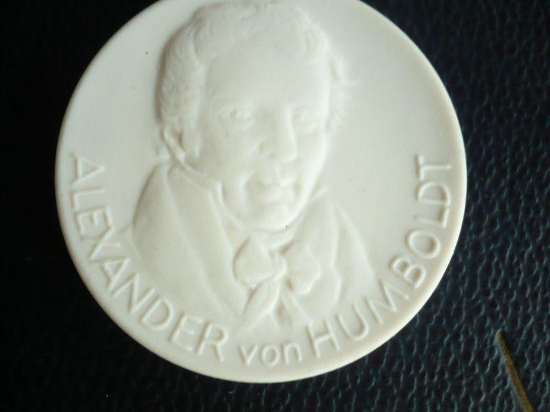Meissen Porzellan Münze - Alexander von Humboldt (405)