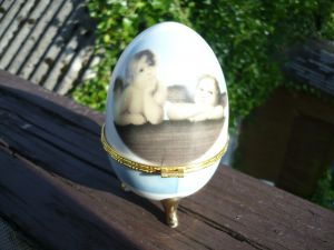 Porzellan-Ei mit den Engeln von Leonardo da Vinci (477)