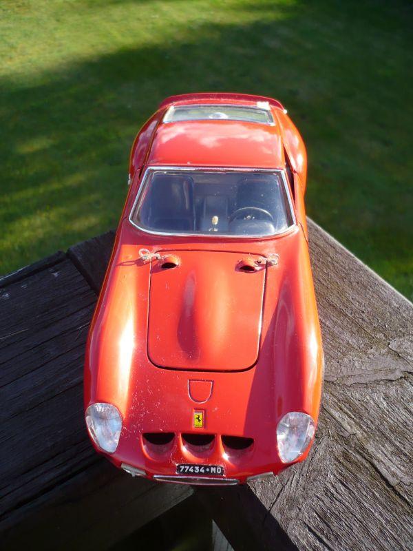 Modellauto Ferrari 250 GTO 1962 rot,1:18/Burago (484)
