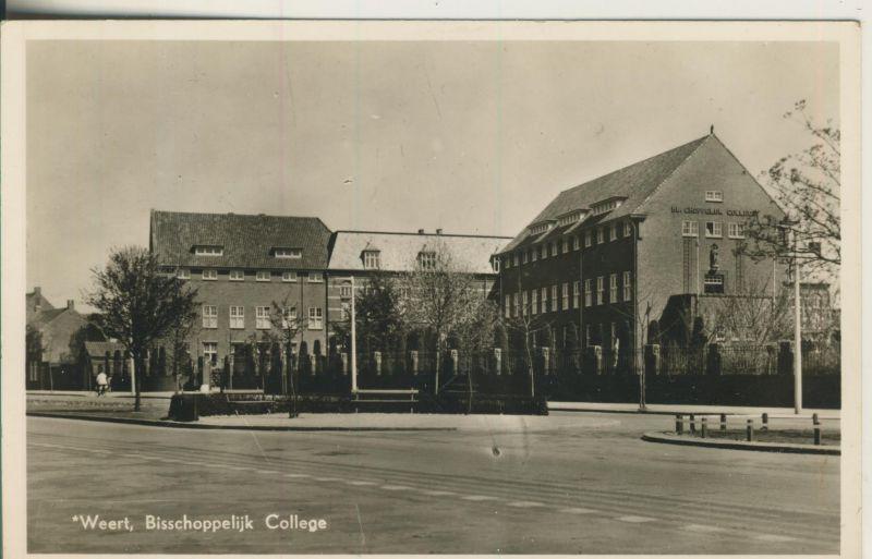 Weert v. 1956 Bischoppelijk College (AK243)  0