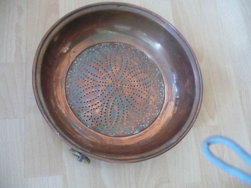 Kupfer-Sieb mit Aufhängering (Messing) (532)