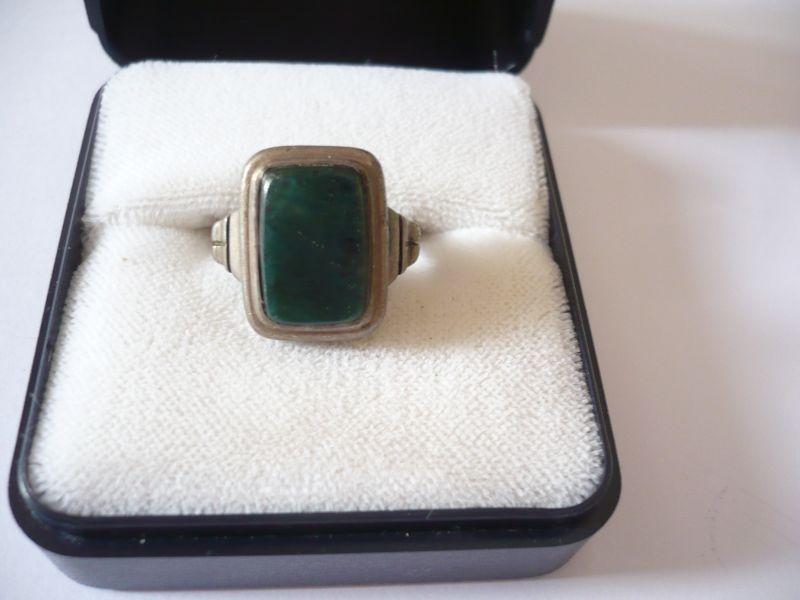 Silberring mit grünem Stein (549)
