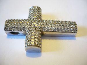 SilberKreuz mit rund fac. Edelsteinen (570)