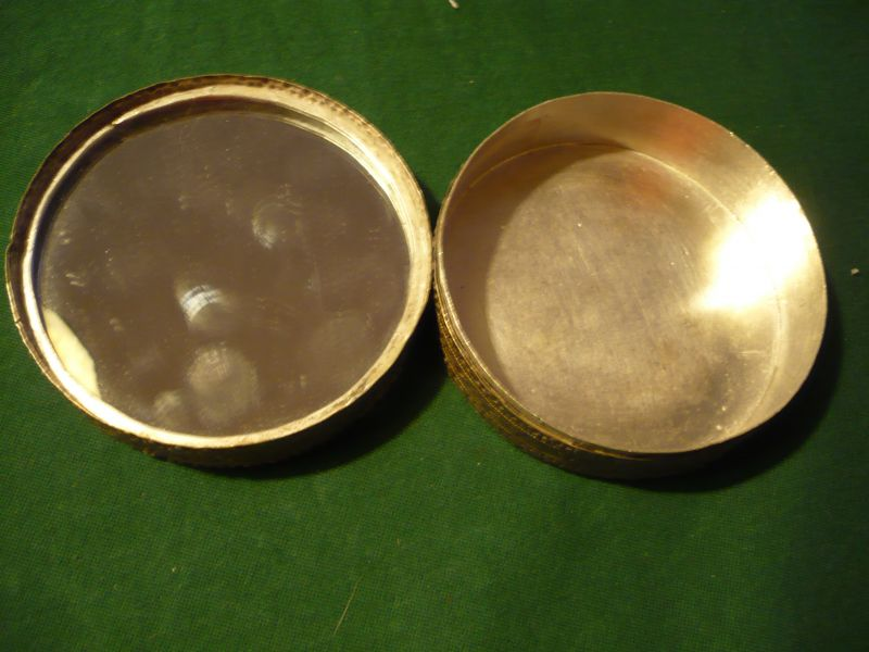 Runde Zierdose - versilbert - älter (621) 2