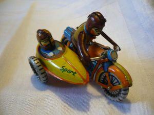 Blechspielzeug - Motorrad mit Beiwagen (633)