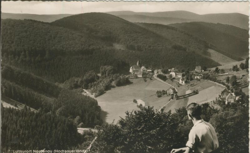 Nordenau v. 1963 Dorfansicht mit einen Jungen (AK1253)