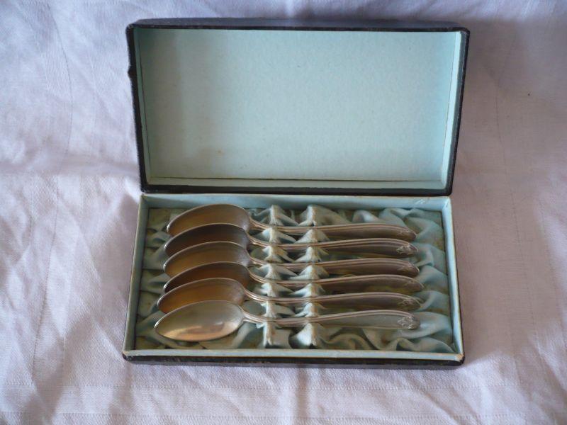 6 Tee-Löffel in org. Schachtel - WMF- Silber, älter (643)