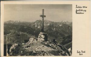 Blick gegen Dachstein mit dem Kreuz v. 1953 (AK1356)