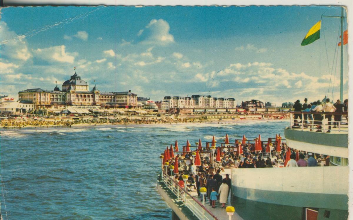 Scheveningen v. 1957 vanaf de Pier (AK1930)  0