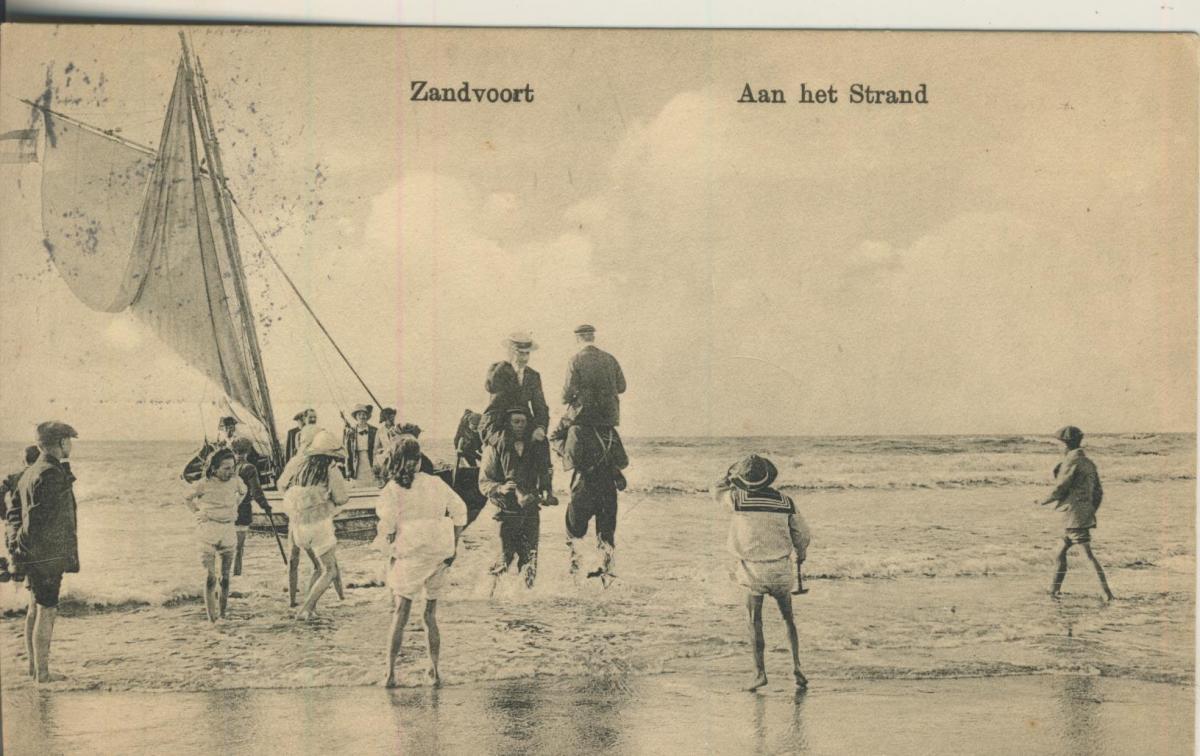 Zaandvoort v. 1916 Aan het Strand (AK1995)  0