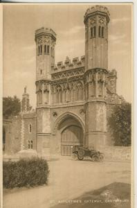 Canterbury v. 1927 St. Augustines Gateway mit PKW (AK2207)