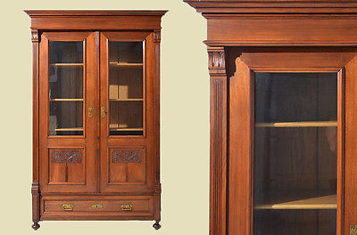 antike jugendstil nu baum b cherschrank schrank vitrine. Black Bedroom Furniture Sets. Home Design Ideas