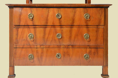 antike biedermeier kirschholz kommode mit aufsatz von 1820. Black Bedroom Furniture Sets. Home Design Ideas