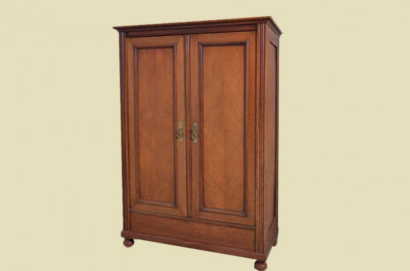 Antiker Jugendstil Nußbaum Kleiderschrank Schrank von 1910 2