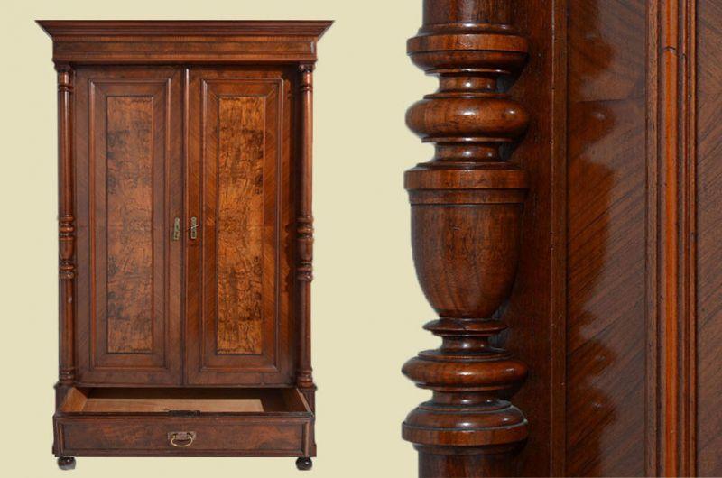 Antiker Gründerzeit Kleiderschrank Säulen & Schublade von 1880