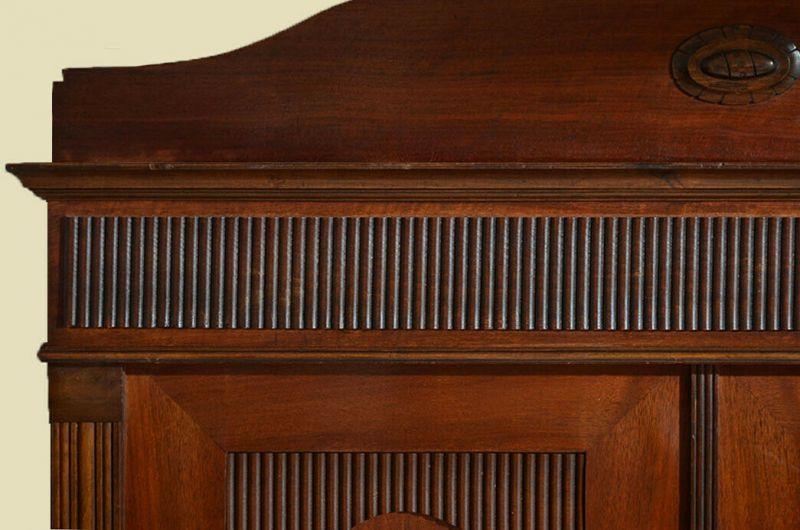 Antiker Jugendstil Kleiderschrank Schrank mit Schnitzerei von 1920 8