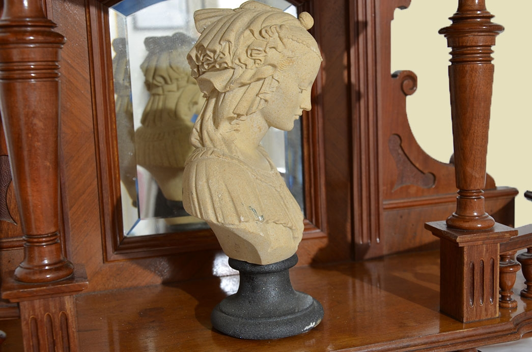 Antike Gründerzeit Historismus Vertiko Aufsatz Büste Figur von 1880 4