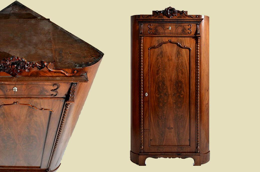 Großer Antik Mahagoni Biedermeier Schrank Eckschrank von 1820