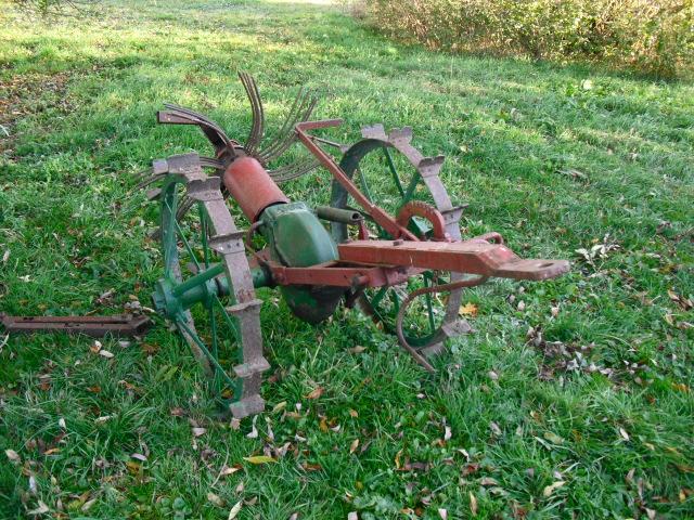 Div. museale landwirtschaftliche Arbeitsgeräte
